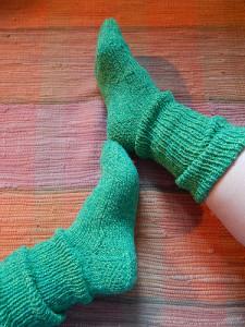 зелёные носки сверху вниз с квадратной пяткой