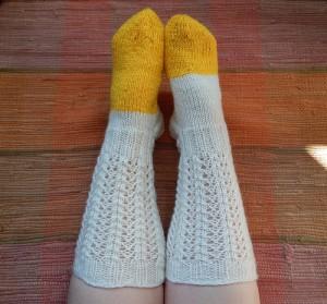 носки белые с желтым