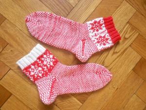 два носка рядом валетом