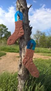 коричневые носки с пяткой подковой