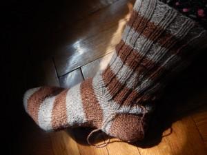 полосатый носок с пяткой задним числом