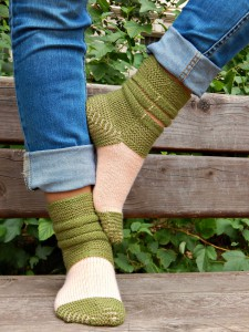 полосатые носки с колечками