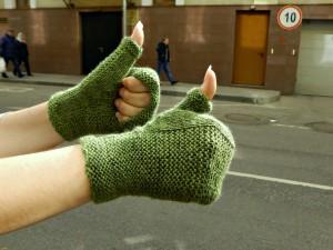 зелёные женские митенки | Хорошо.Громко.