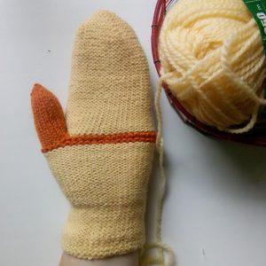 жёлтая варежка с оранжевым пальцем - рабочая версия