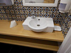 санузел в кулинарной лавке 2Кренделя, фотографии, интересные идеи для ремонта в ванной | HoroshoGromko.ru