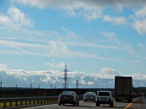 дорога М4 и синее-синее небо | HoroshoGromko.ru