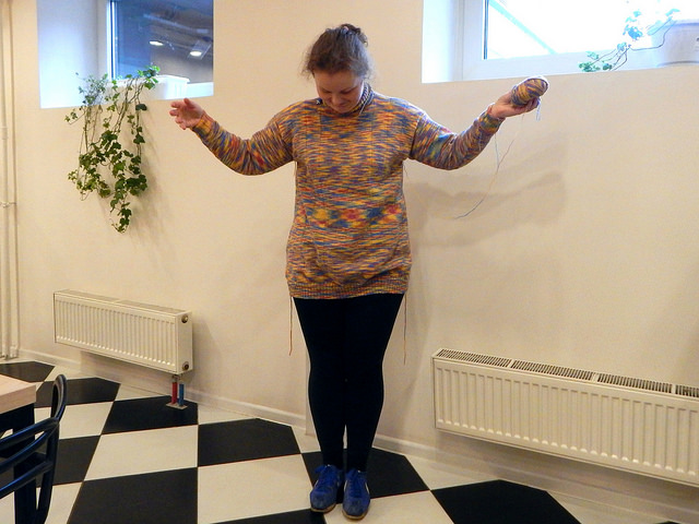 наконец-то конец пятнисто-полосатого свитера