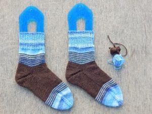 Носки с пяткой-бумерангом из остатков пряжи, немножко хеликса | HoroshoGromko.ru